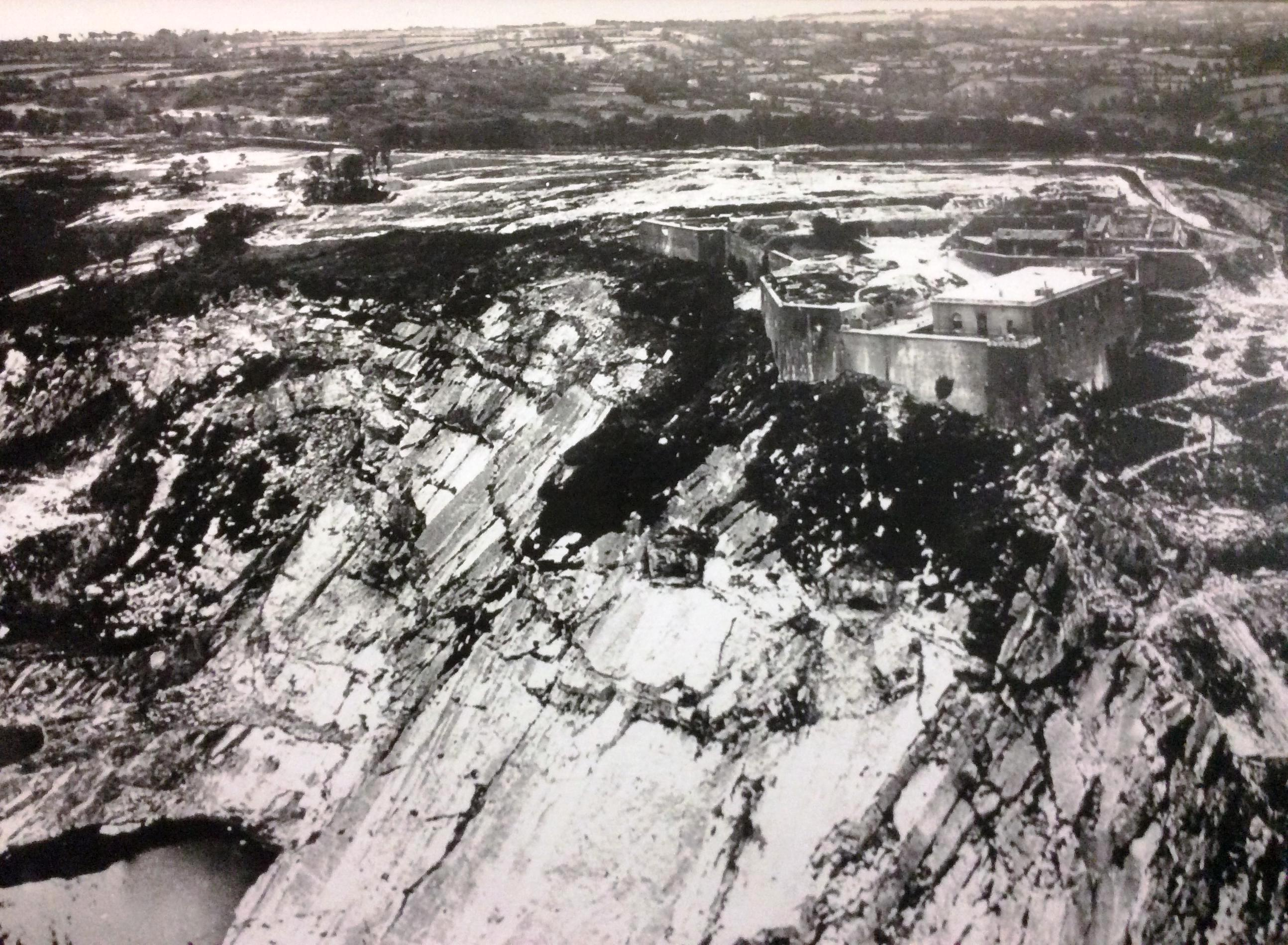 Aerial view of La Roule fort 8 july 1944 - a-1.jpg