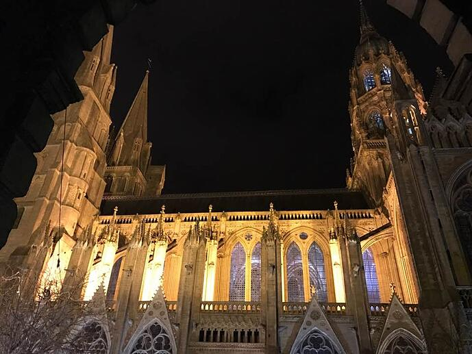Cathedral of Bayeux Christmas time.jpg