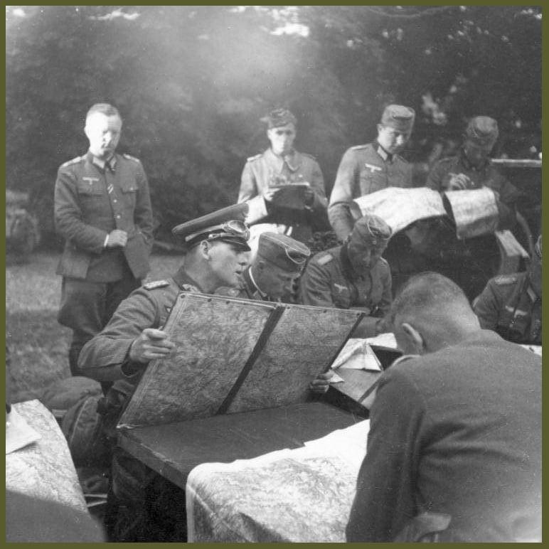 Erwin Rommel _ Generalfeldmarschall Mur de lAtlantique 1944