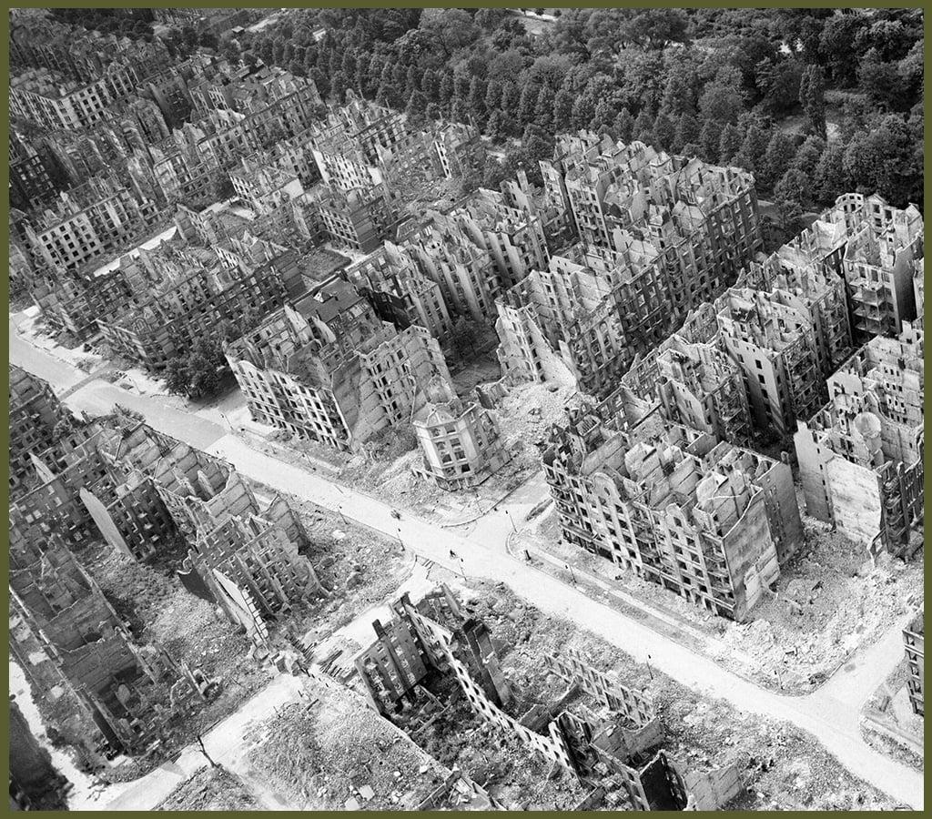 Hamburg bomb april 1942