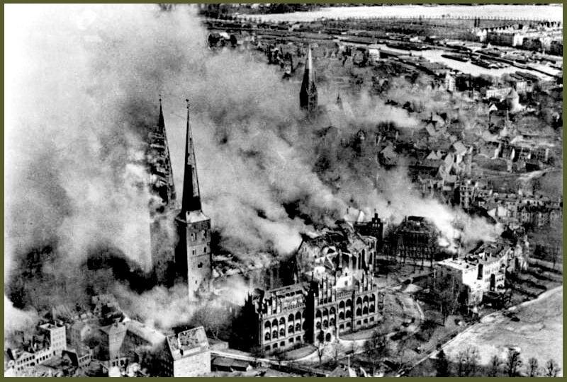 Lubeck burning march 1942