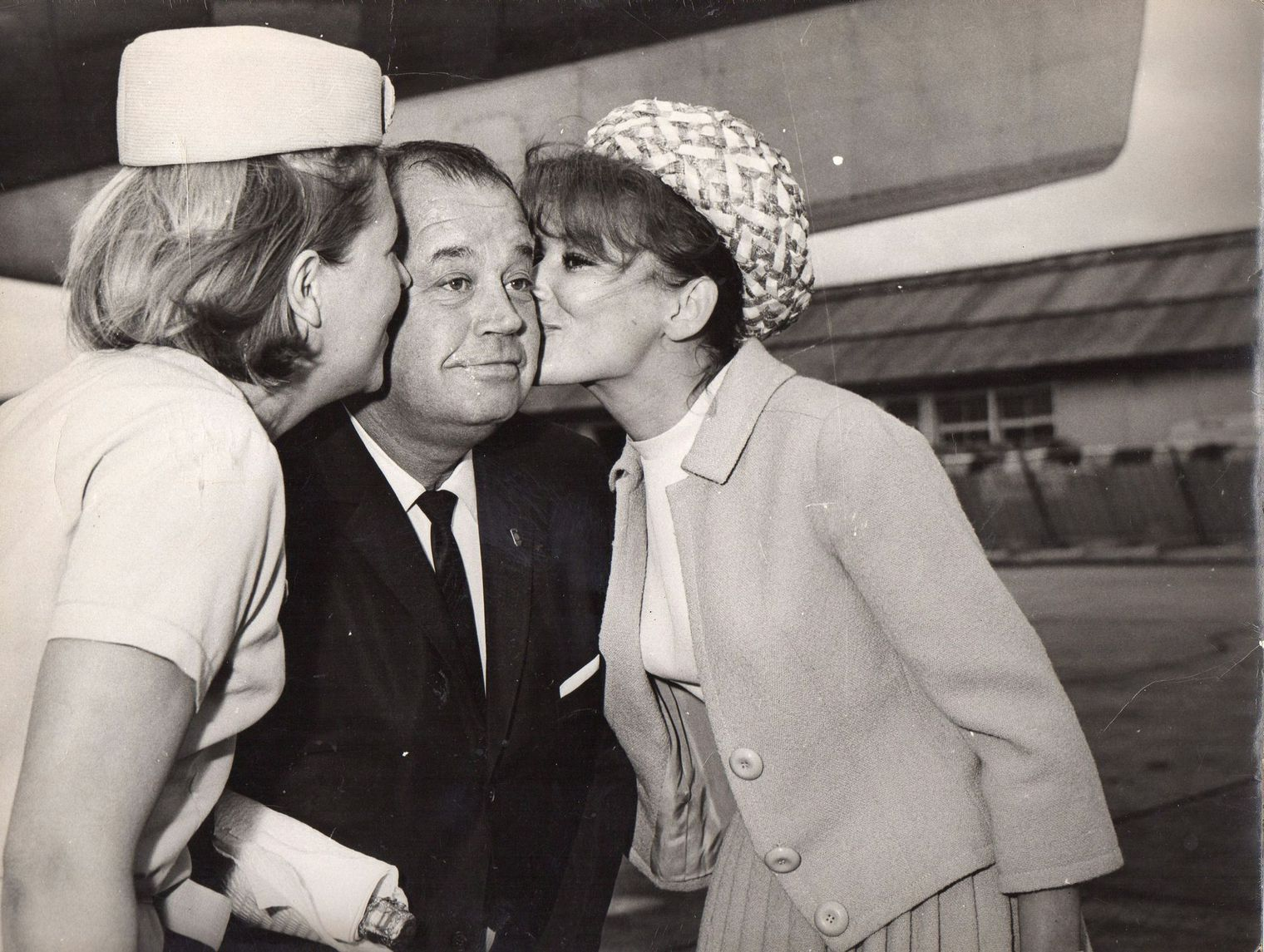 John Steel with the actress Irina Demick on the right Orly airport 1964.jpg