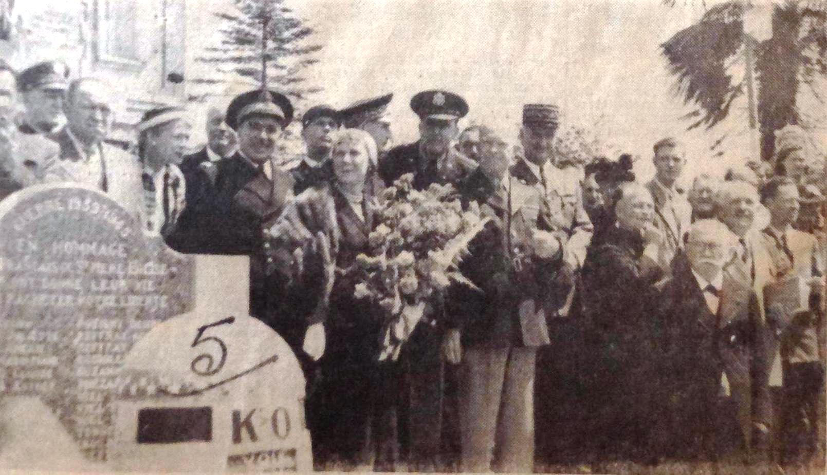 Mr and Mrs Eisenhower 1951 Sainte Mere Eglise.jpg