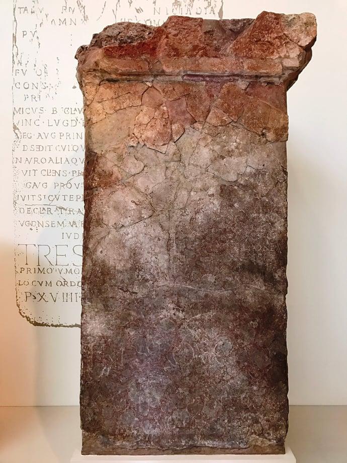 Stone de Thorigny.jpg