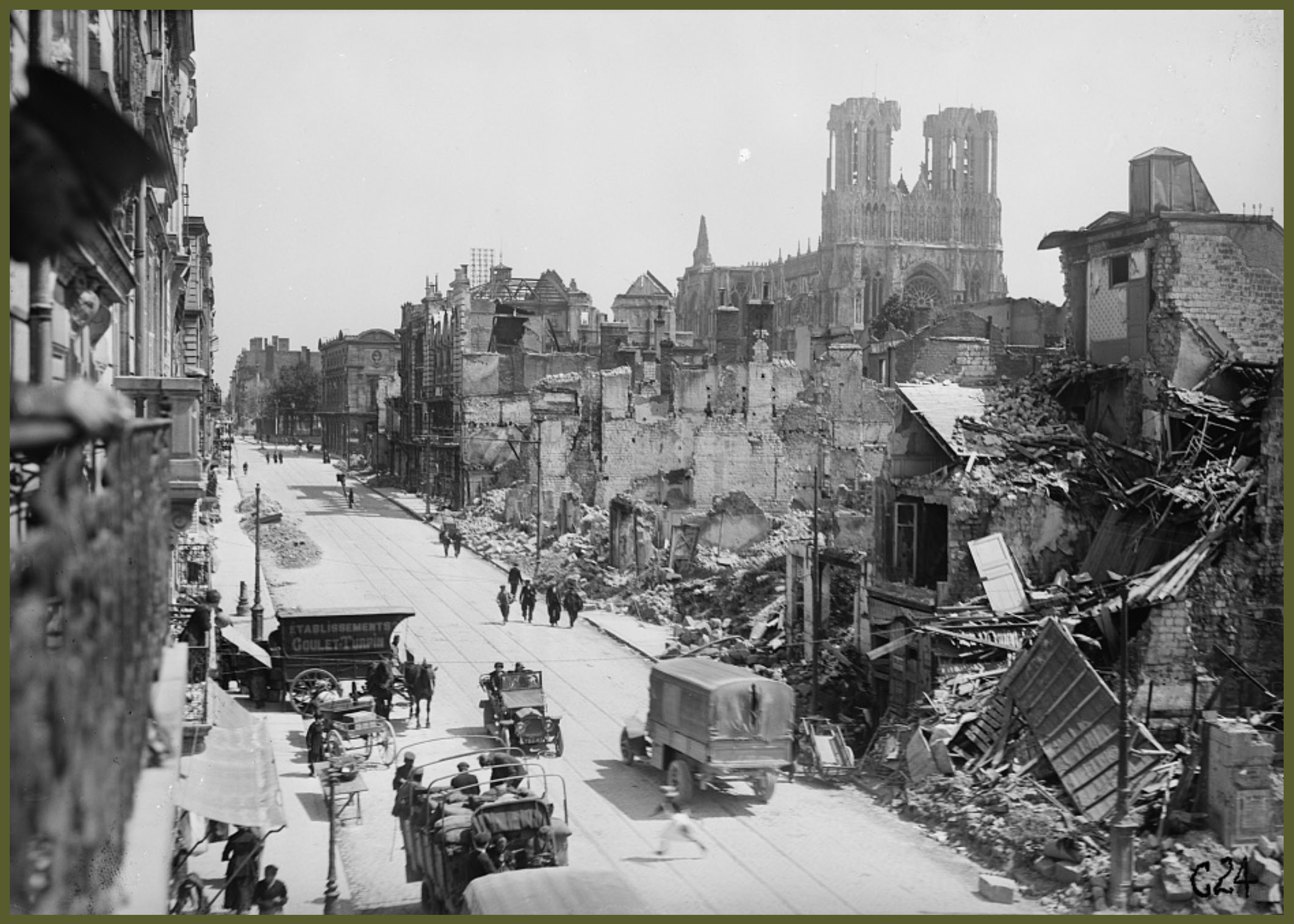 WWI Reims main street 1919